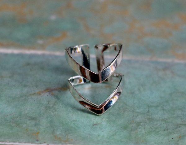 silver double arrow ring
