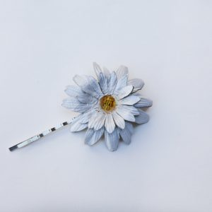 large daisy hair grip
