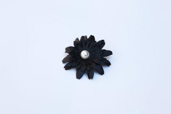 black daisy necklace pendant
